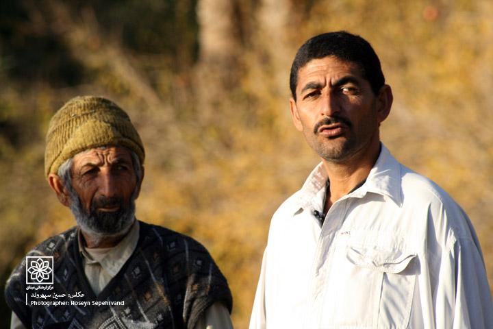 http://www.Misagh.net/UserPic/Photos/Iran/Magraves(11).jpg